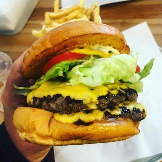 1090 Burger